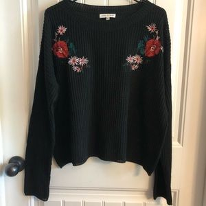 Woven Heart Black floral detail cropped sweater L